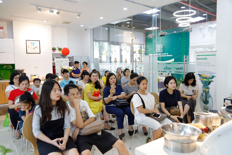 trải nghiệm trực tiếp tại cửa hàng Thermomix Vietnam