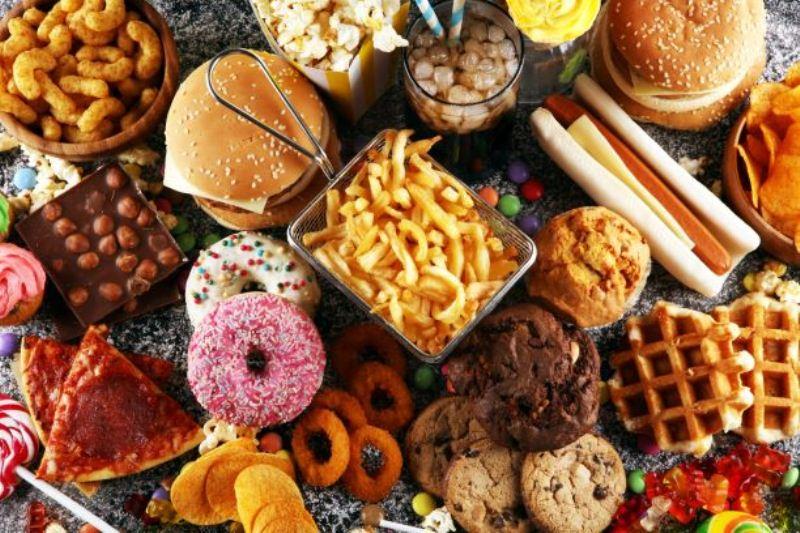 Đồ ăn nhanh đầu dẫn đến huyết áp cao, béo phì
