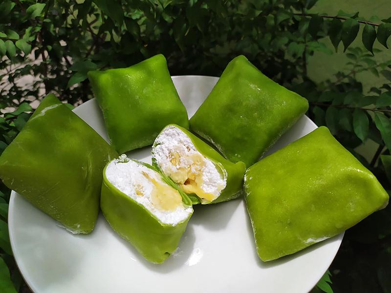 Bánh crepe sầu riêng lá dứa