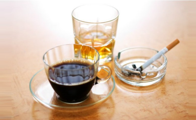 Chế độ ăn uống lành mạnh: không có chất kích thích