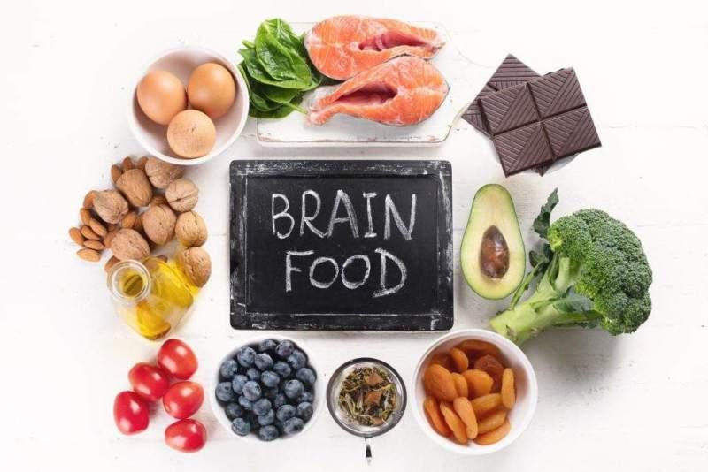Ăn uống đủ chất, ngủ nghỉ điều độ giúp đem lại sức khỏe tốt cho não bộ