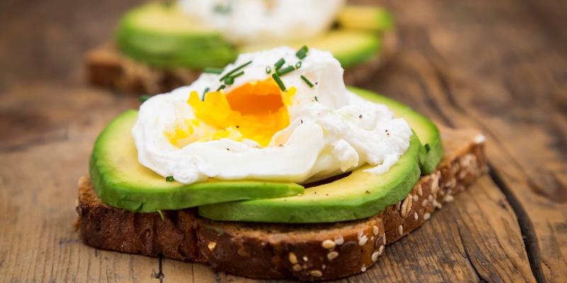 Bữa sáng đơn giản bảo đảm lành mạnh.