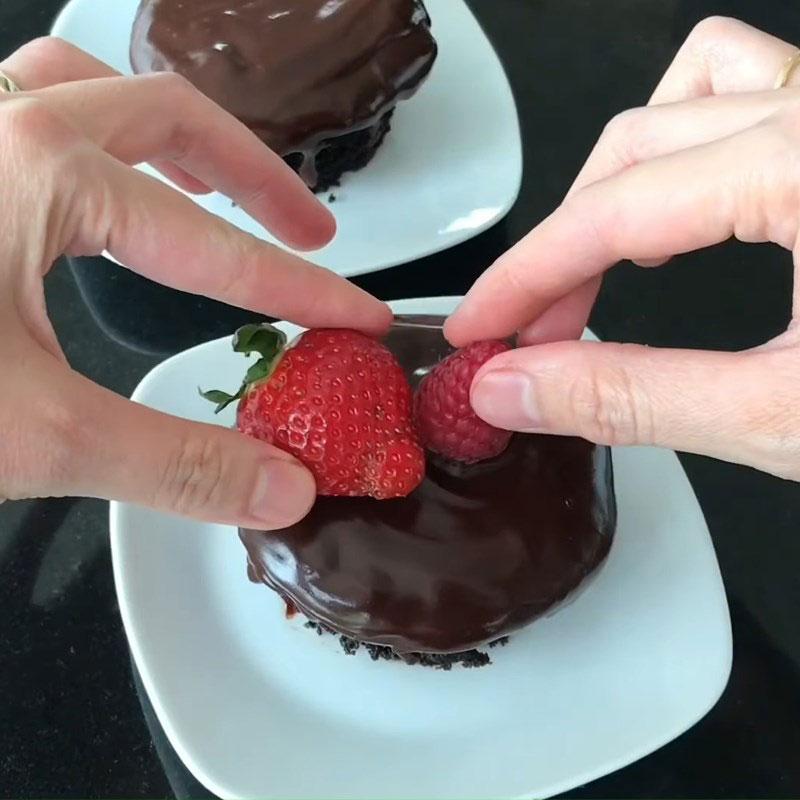 làm bánh cupcake không cần máy đánh trứng.