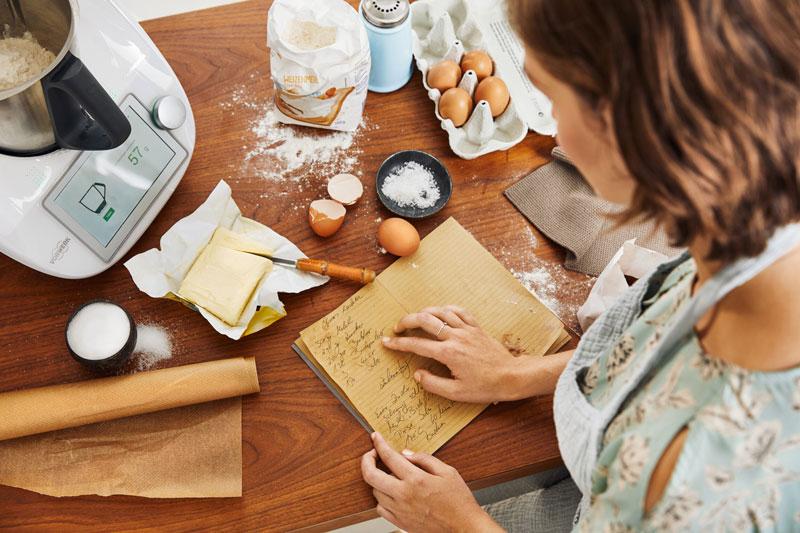 nguyên liệu cơ bản để làm phần bạt bánh crepe cầu vồng